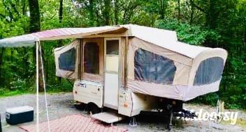 1987 Coleman ICL convenient to Center Hill Lake , Marinas , Edgar Evins State Park, & Nashville.