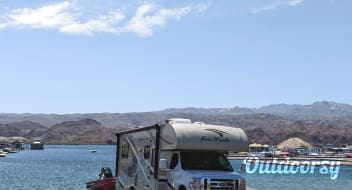 2017 Thor Motor Coach Four Winds Majestic