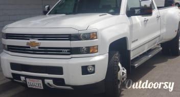 2015 Chevrolet Silverado 3500 4x4 Dually