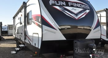 2019 Fun Finder 32BS