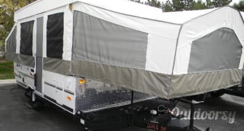 2011 Rockwood 2280 bike hauler with shower/porta potti. Very clean!