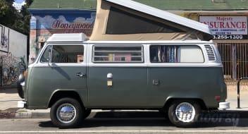 AWESOME 1977 Volkswagen Westfalia camper in Joshua Tree area!