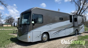 """2014 Itasca Solei """"Levi's Hope Family Bunkhouse"""" 39 Foot Diesel"""