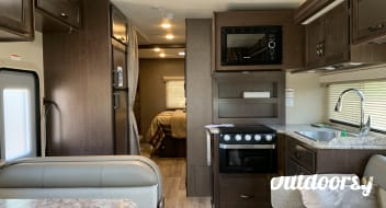 2019 Thor Motor Coach Freedom Elite FE