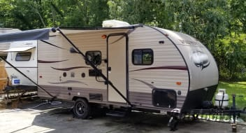 """Lelou"" 2016 Wolf Pup 21ft Bunk House Travel Trailer"