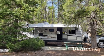 The Harrison's Luxury, Fully-stocked, Family friendly, Adventure Camper