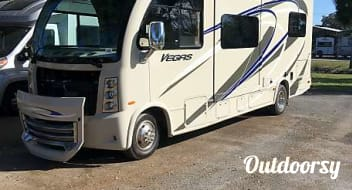2015 Thor Motor Coach Vegas