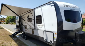 Spacious 2019 Spacious bunk house and separate bedroom/ 4 full beds and full shower