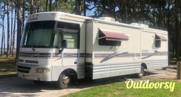 33' Winnebago Chieftain
