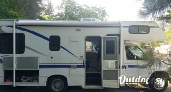 2001 Thor Motor Coach Four Winds Majestic
