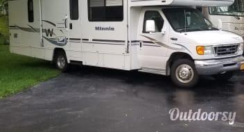 2004 Winnebago Minnie Winnie