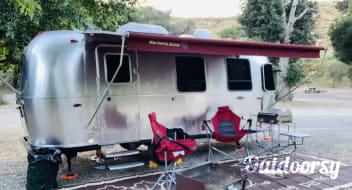 "2019 Airstream Sport ""Wine Country Edition""- romantic studio apartment on wheels!"