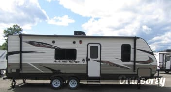 2020 Starcraft Autumn Ridge Outfitter 26BH