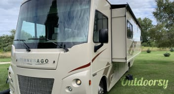 2017 Winnebago Vista - Like New - 29 Foot - Perfect for Weekend Getaways, Long Trips, Tailgates, or an Extra Bedroom at the Cabin! Wi-Fi Available!