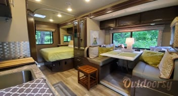 2019 Thor Motor Coach Freedom Elite