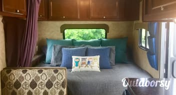 2014 ~SALTY NEST~ COACHMEN CLIPPER SLEEPS 4-5 ULTRA LITE