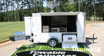 Towable Tailgater Extreme