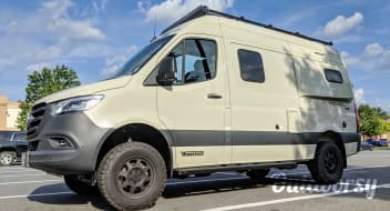 2020 Winnebago Revel 44e 4x4
