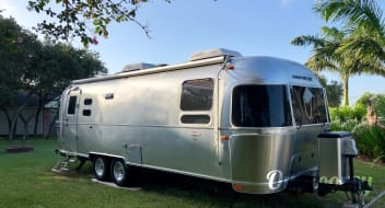 "2018 Airstream International Signature ""Clarence"""
