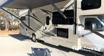 UNLIMITED CELLULAR WIFI!!! 2020 Thor Motor Coach Four Winds