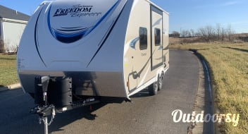 2020 Coachmen Freedom Express 1/2 TON OR SUV TOWABLE BRAND NEW