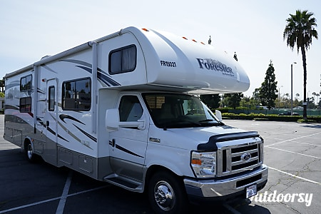 02015 Forest River Forester 31'  Buena Park, CA