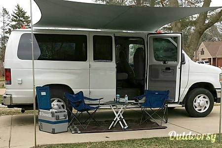 02008 Ford Econoline, 5 seats. Sleep 2. No Pets.  Des Plaines, IL