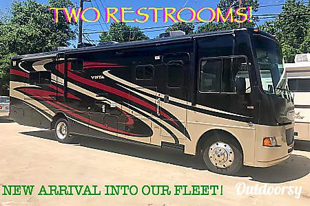 0A-07 Winnebago Vista 35' (2 bath)  Cypress, TX