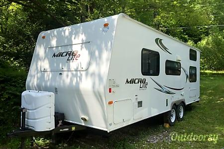 02010 Flagstaff Micro Lite 23-LB  Waterbury, VT