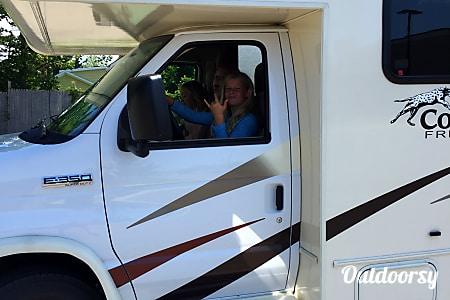 Top 25 east lansing mi rv rentals and motorhome rentals outdoorsy 2017 coachmen freelander charlie east solutioingenieria Choice Image