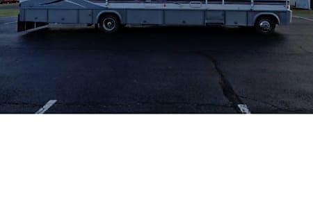 01999 Winnebago Adventurer  Blue Bell, PA