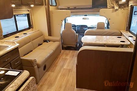 02018 Thor Motor Coach Four Winds  Riverton, UT