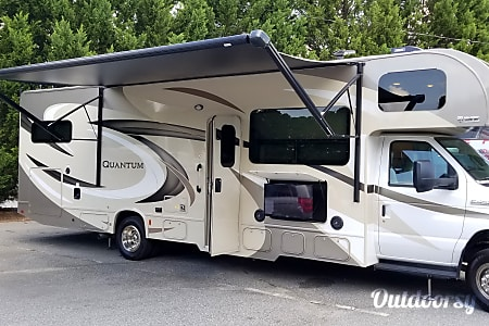 02017 Quantum LF31 (The Queen) LIVE* LOVE* GO CAMPING!!  Marietta, GA