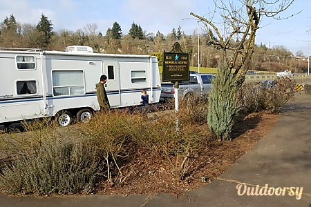 02003 Sunnybrook Travel Trailer  Anderson Island, WA