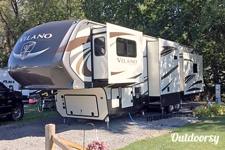 02018 Tiffin Motorhomes Other  Knoxville, TN