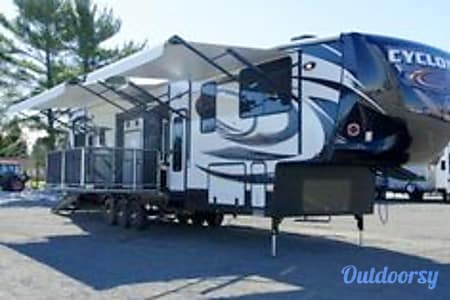 02016 Heartland Cyclone w/Deck  Placerville, CA