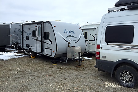 02016 Coachmen Apex  Edmonton, AB