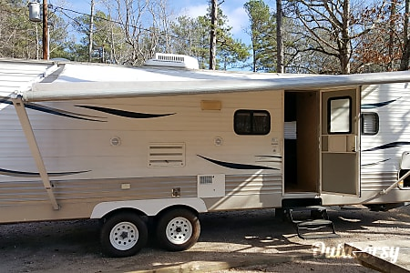 Top 25 griffin ga rv rentals and motorhome rentals outdoorsy 32 foot tt slide out living bunk beds sleeps 7 griffin ga solutioingenieria Images