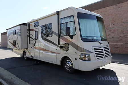 0RV 24: Pursuit 33BHP  Herndon, VA