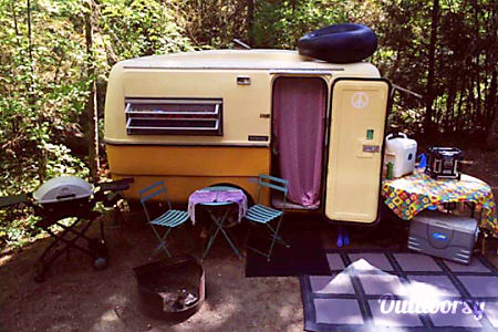 0*Vintage*  Mellow Yellow - Triple E Surfside Trailer  Spruce Grove, AB