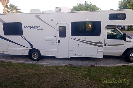 02006 FOUR WINDS MAJESTIC 29 FOOT HAVE FUN AND EASY TO DRIVE.  Fernandina Beach, FL