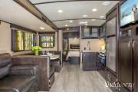 02018 Grand Design Imagine 2800BH  Smiths Falls, ON