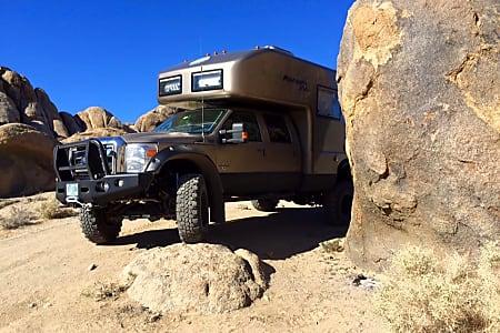 Earthroamer XVLT Ford 550 Expedition RV Camper caravan