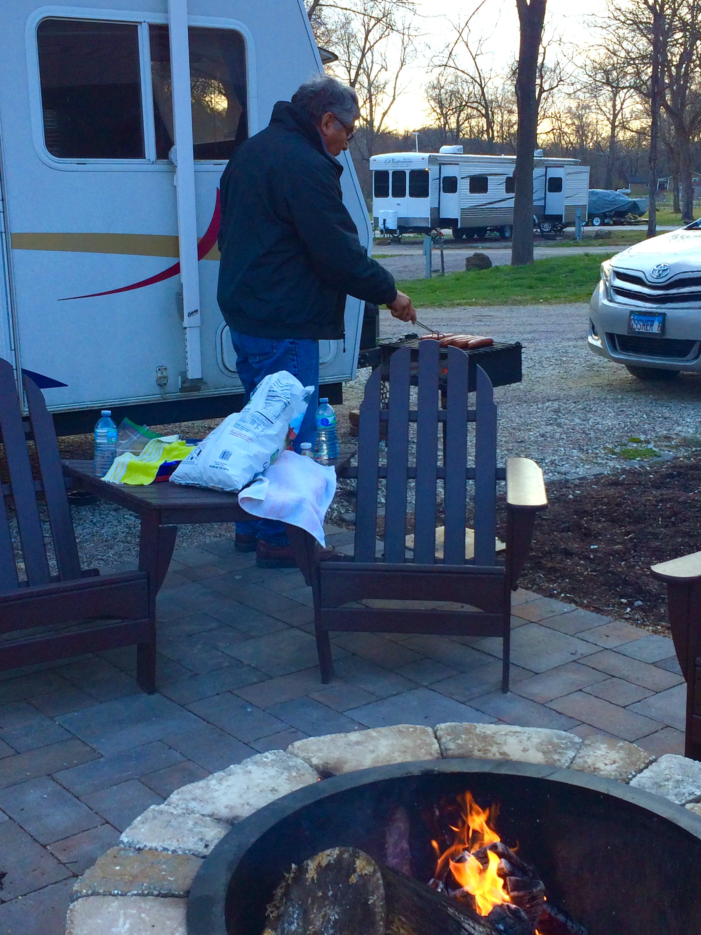 All set up and ready to eat yummy grilled brats and dogs!. Jayco Jay Feather 2006