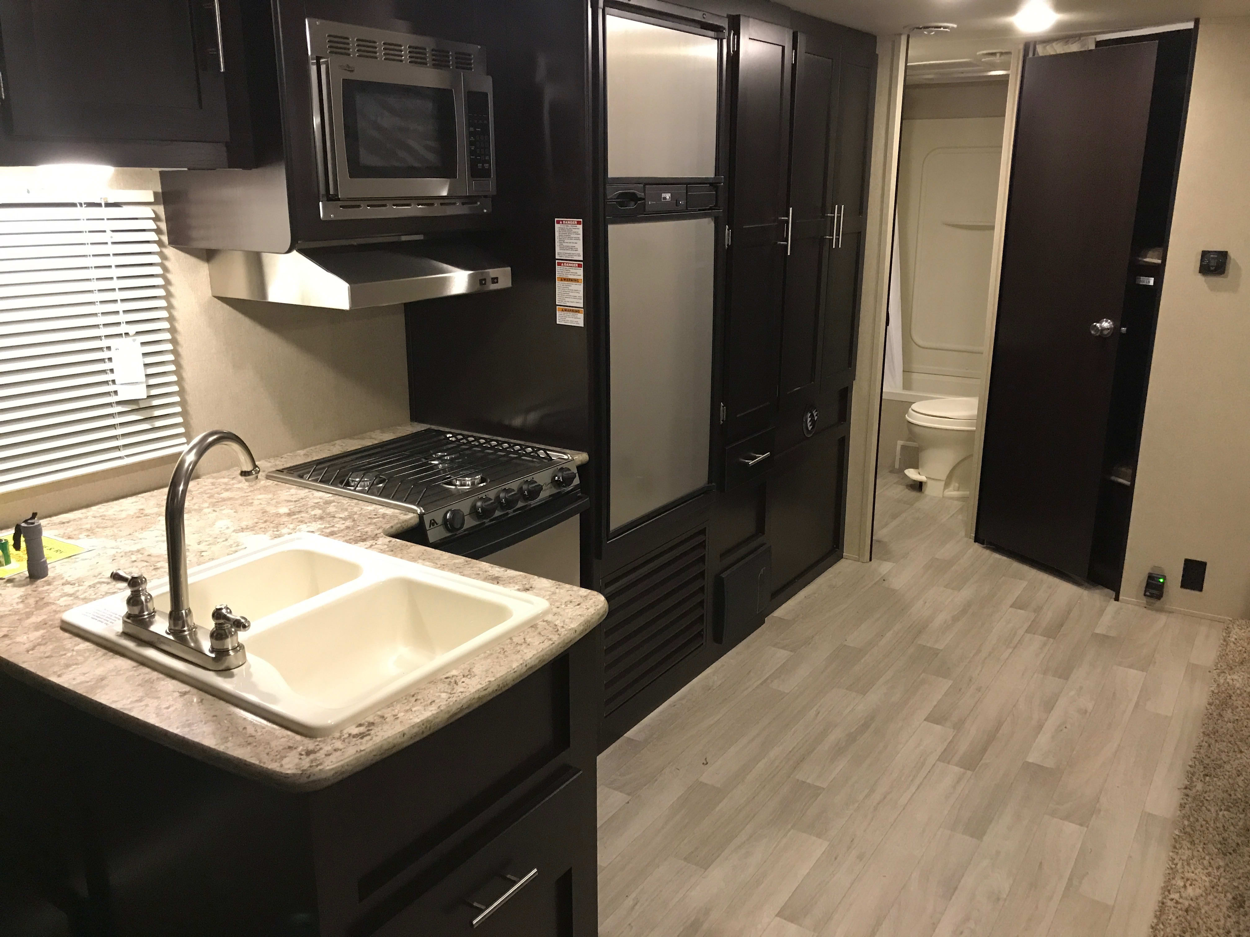 Beautiful spacious kitchen!. Dutchmen Kodiak 2017