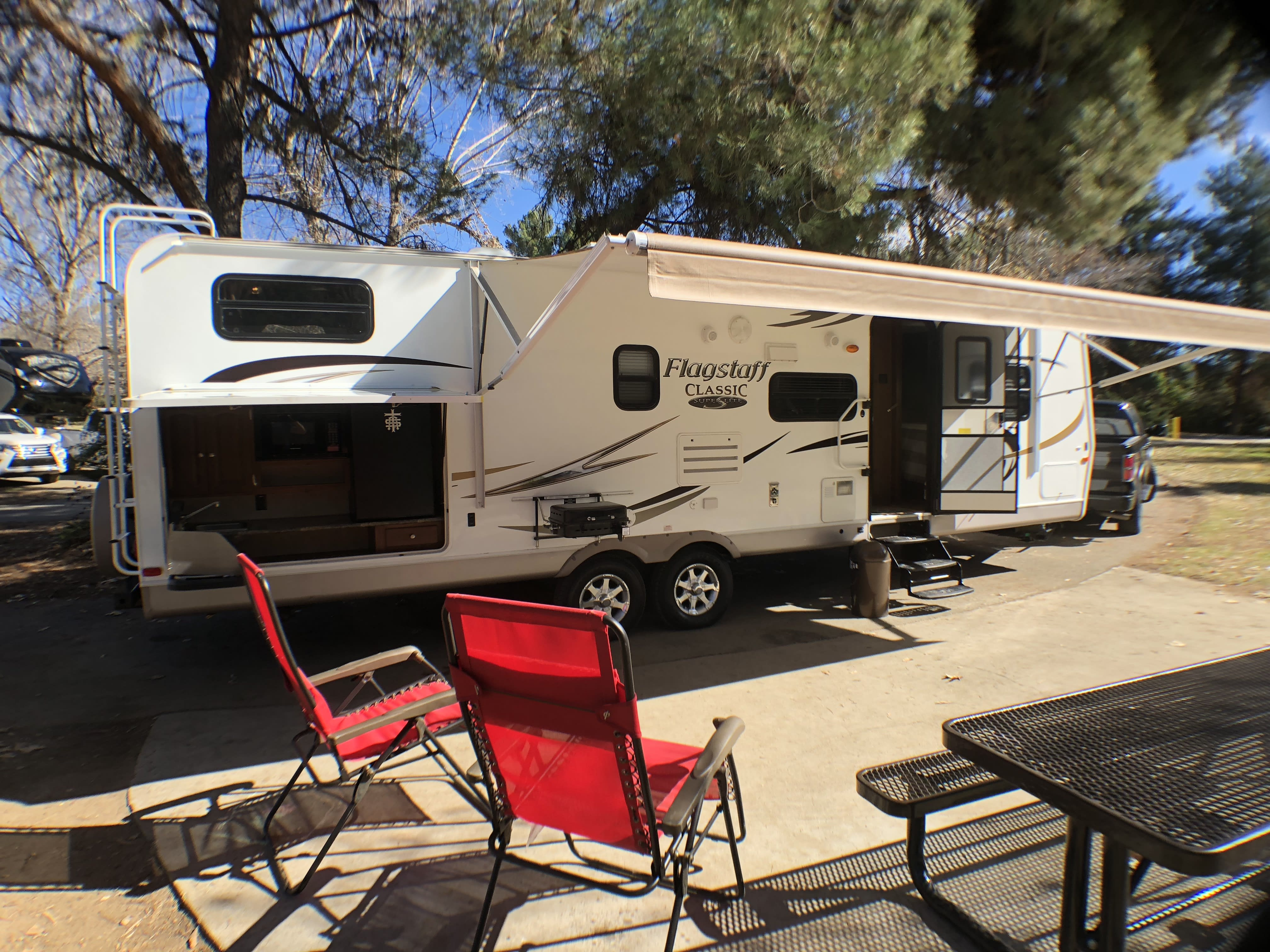 Picture yourself here with family and friends enjoying a beautiful day!. Flagstaff Super Lite 2011