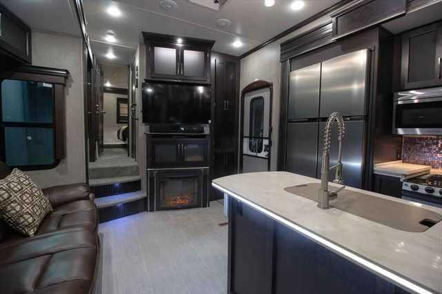 Kitchen. Keystone Raptor 352TS 2016