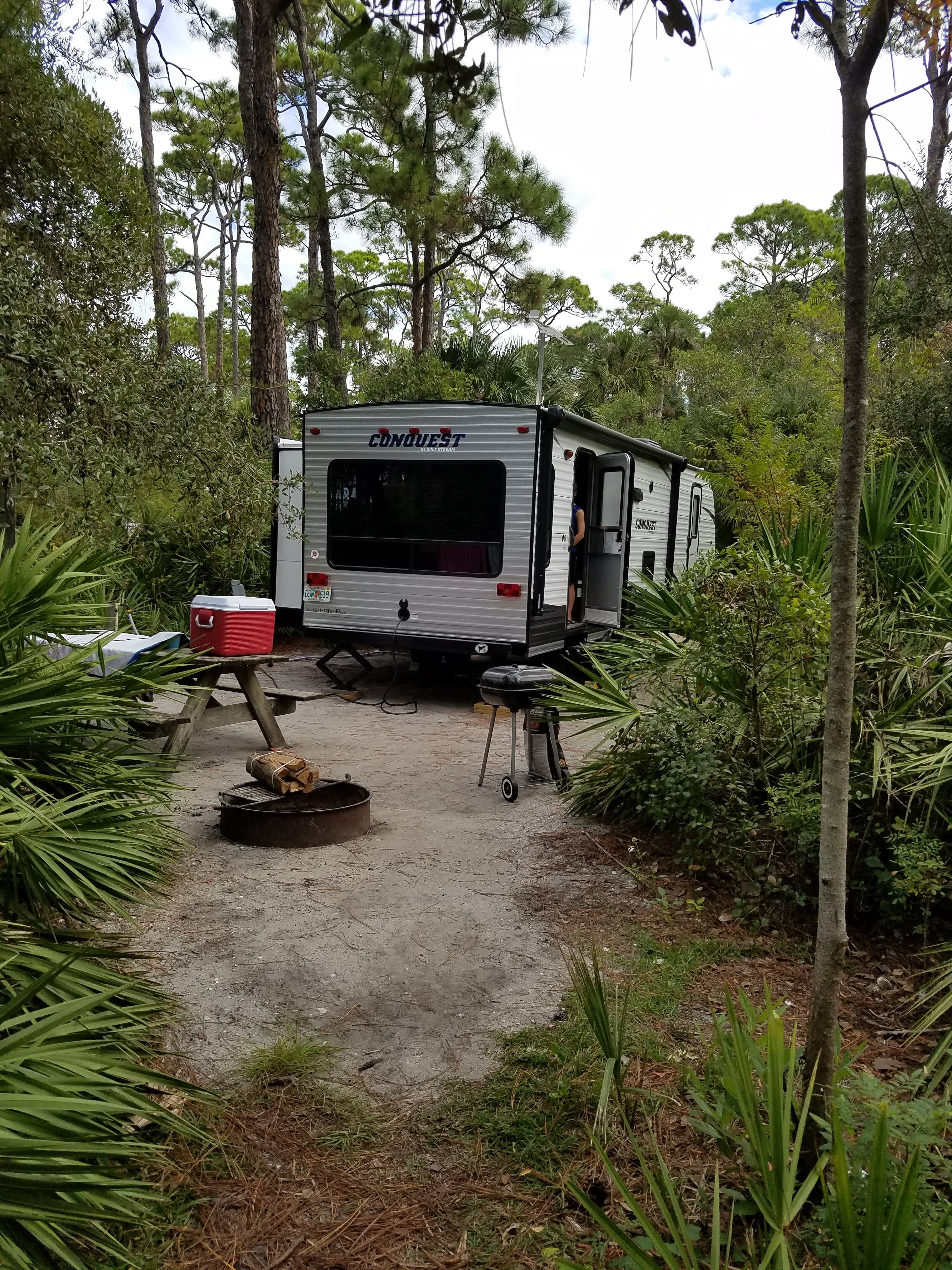 This is the back of our RV. We were camping at Cape San Blas.  Beautiful State Park.  It has the big window so you can have a great outdoor look.. Gulf Stream Amerilite 2017