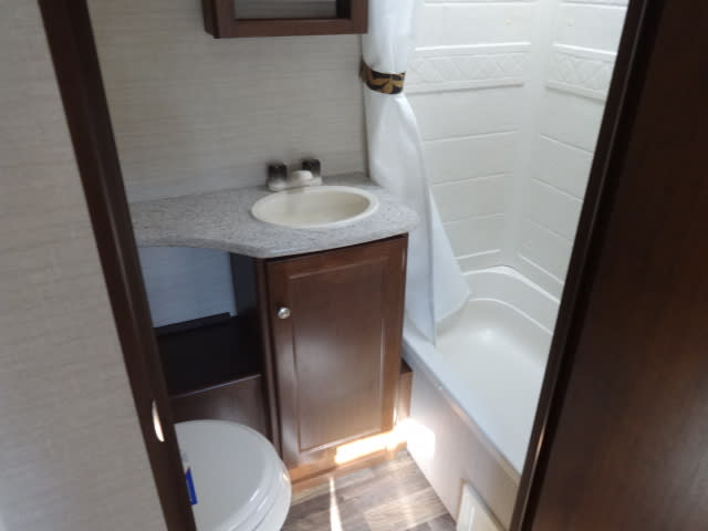 Bathroom. Keystone Bullet 2016