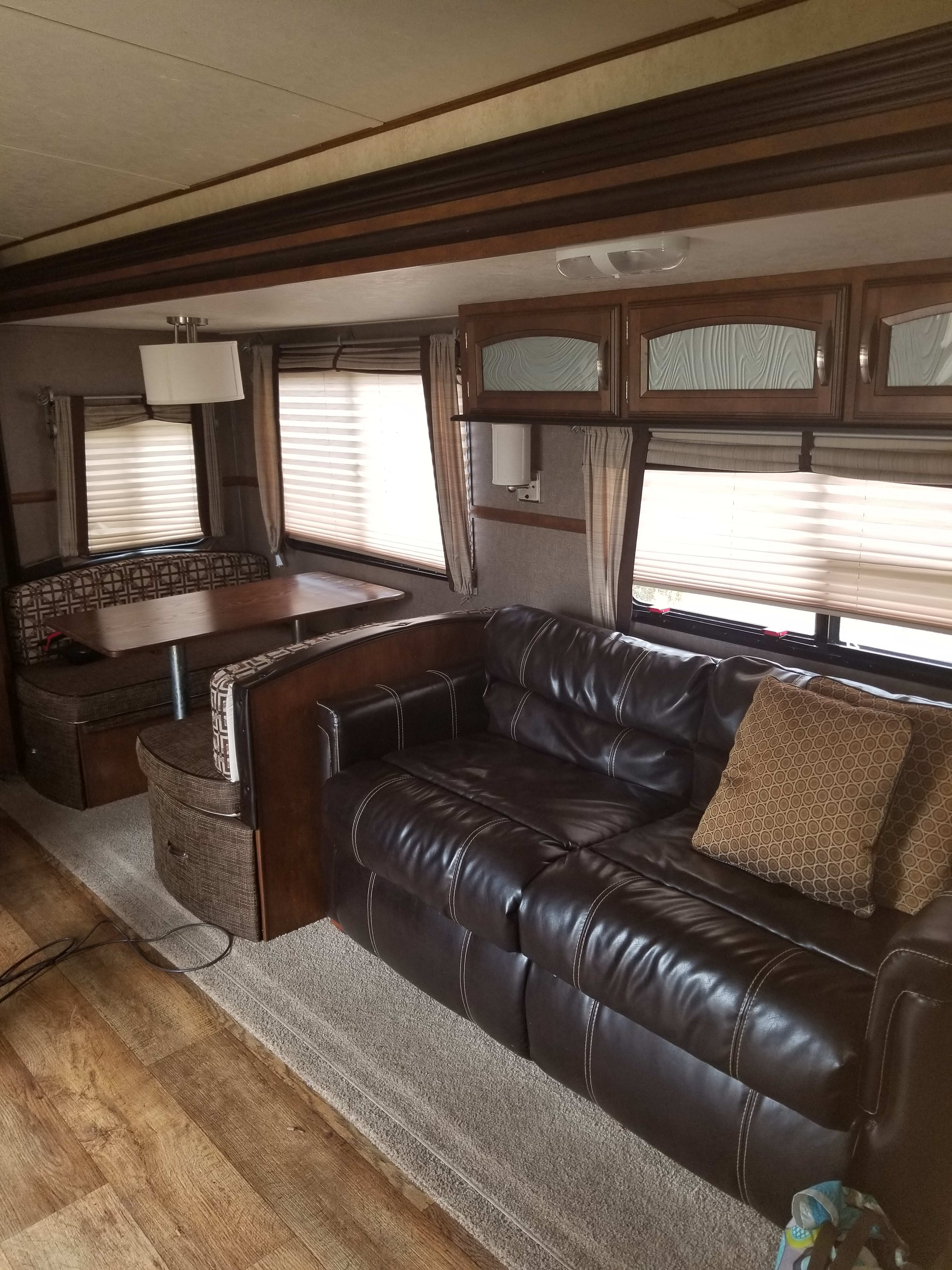 Leather full size pull out sofa bed and dining set to full size bed. Forest River Salem Hemisphere 2016